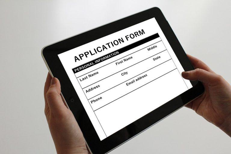 application-1883453_960_720